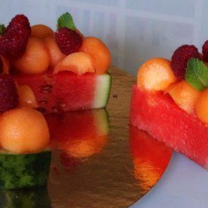 Tarte pastèque au melon, framboises et menthe